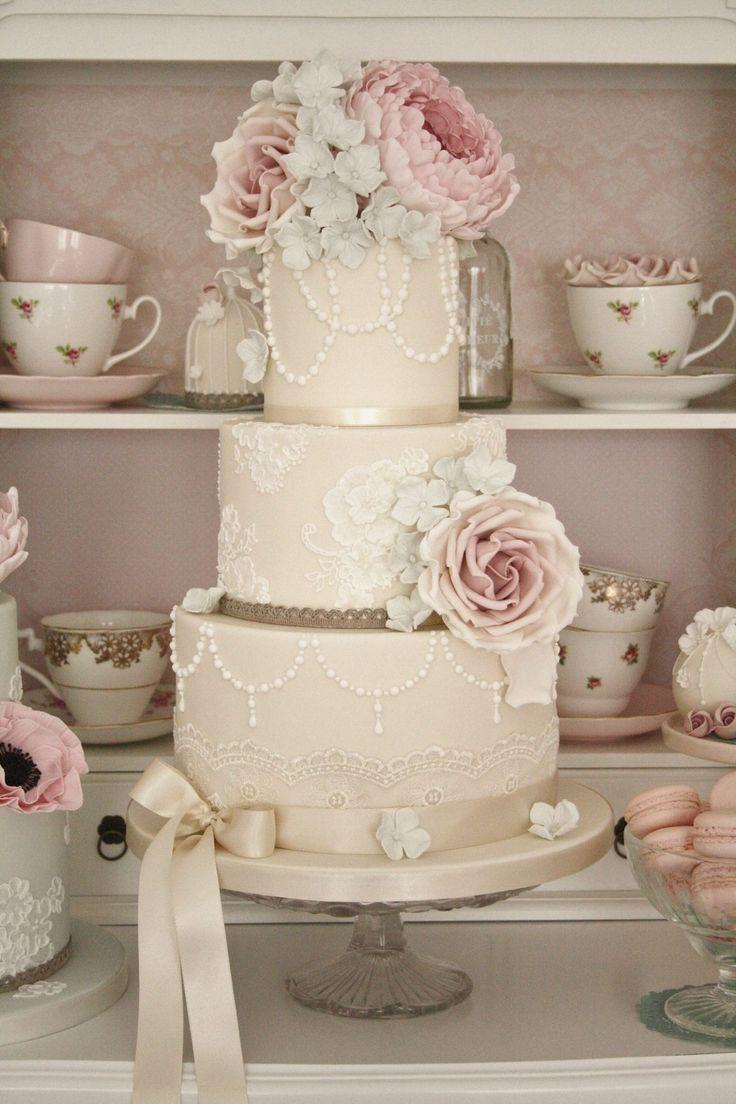 Vintage Wedding Cakes Pictures  Best 25 Vintage wedding cakes ideas on Pinterest