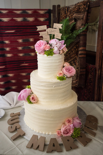 Vintage Wedding Cakes Pictures  vintage buttercream wedding cake pictures