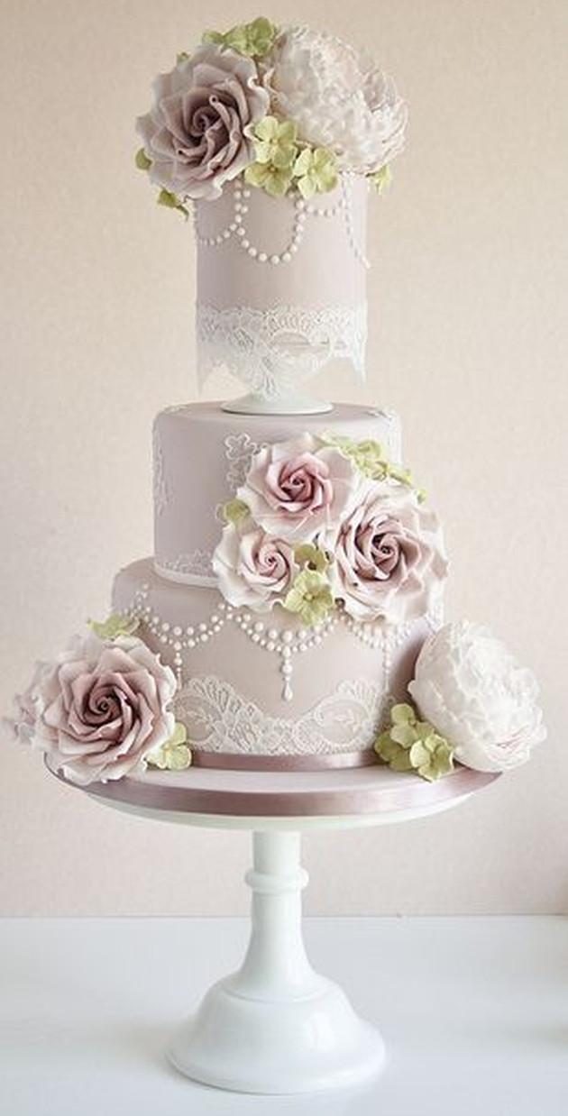Vintage Wedding Cakes  2014 Wedding Cake Trends 5 Vintage Wedding Cakes