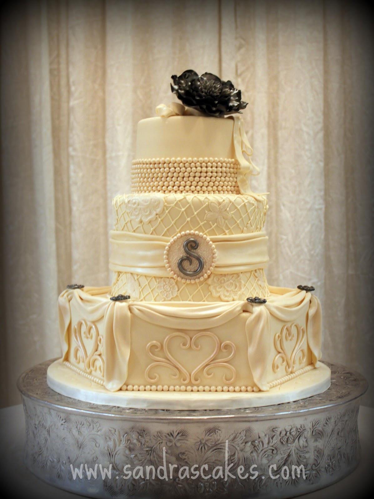Vintage Wedding Cakes  Stunning Vintage Wedding Cake