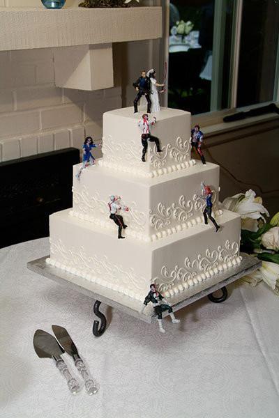 Walking Dead Wedding Cakes  Zombie Wedding Ideas Inspired by Walking Dead