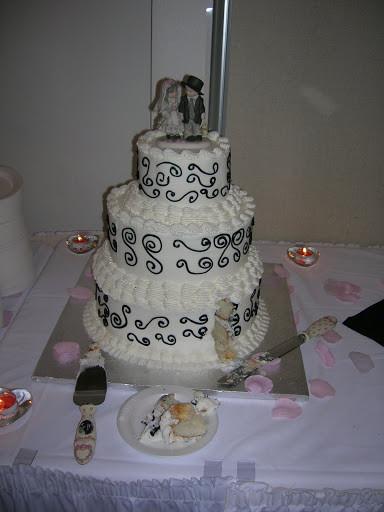 Walmart Bakery Wedding Cakes  Joy s blog Boyd Wedding Cake 300x273 Walmart Wedding