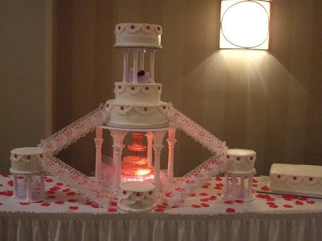 Waterfalls Wedding Cakes  Kaashifa s blog Cascading Waterfall Wedding Cake This