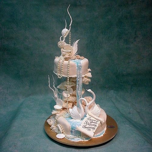 Waterfalls Wedding Cakes  The 25 best images about Waterfall Cake on Pinterest
