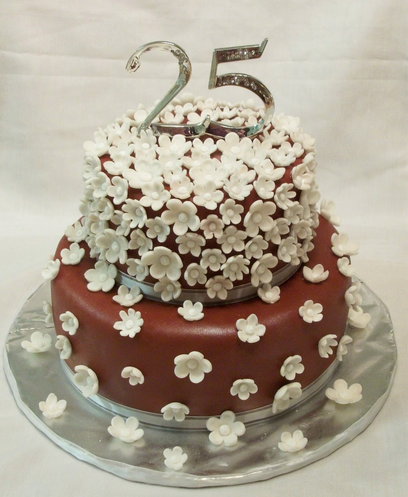 Wedding Birthday Cakes  Cool Wedding Marriage Anniversary Cakes With Names