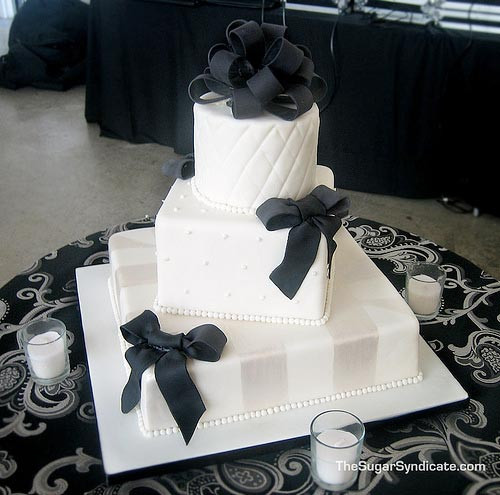 Wedding Cake Black And White  Black and White Wedding Cakes Gallery