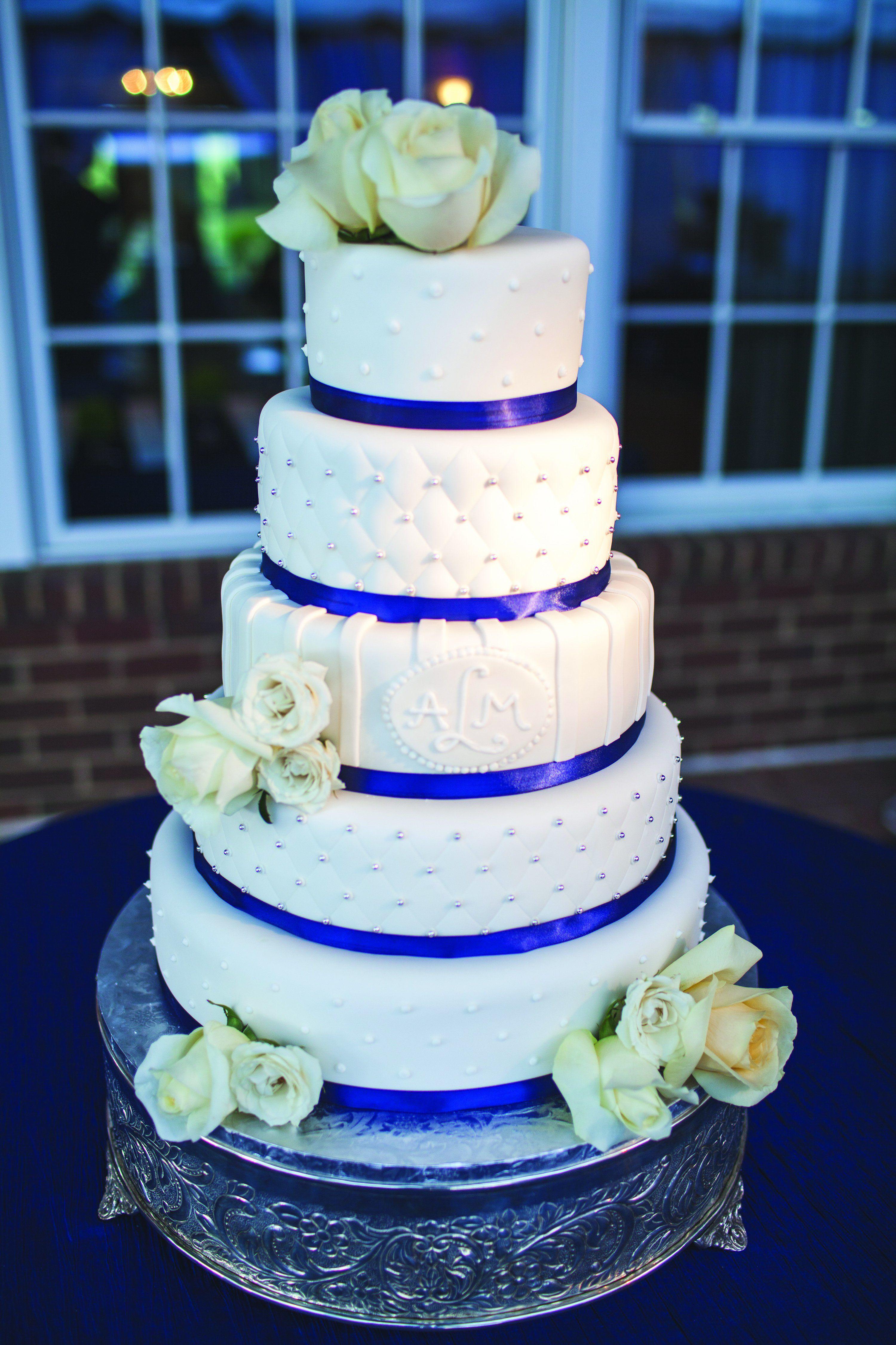 Wedding Cake Blue And White  Navy Blue and White Wedding Cake