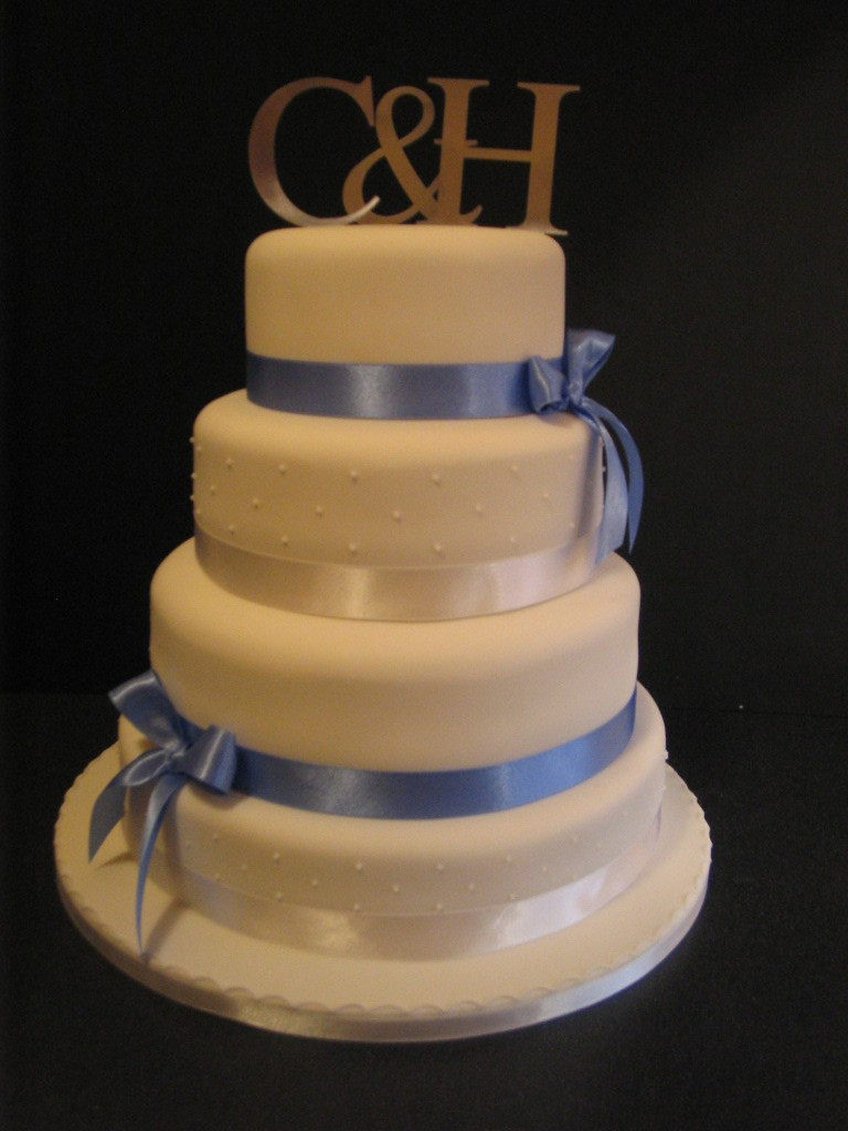 Wedding Cake Blue And White  White and blue wedding cakes idea in 2017