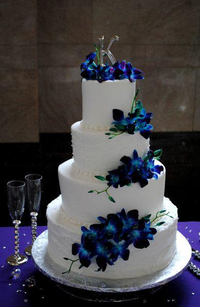 Wedding Cake Blue And White  Purple And Blue Orchid Wedding Cakes Imspirational Ideas 8