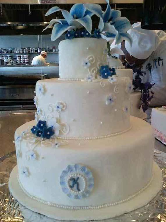 Wedding Cake Blue And White  Goes Wedding Wonderful Blue and White Wedding Cakes
