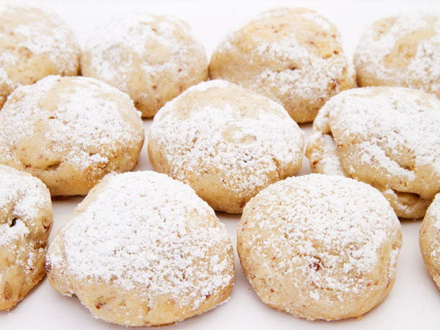Wedding Cake Cookies Recipe  Mexican Wedding Cakes Recipe
