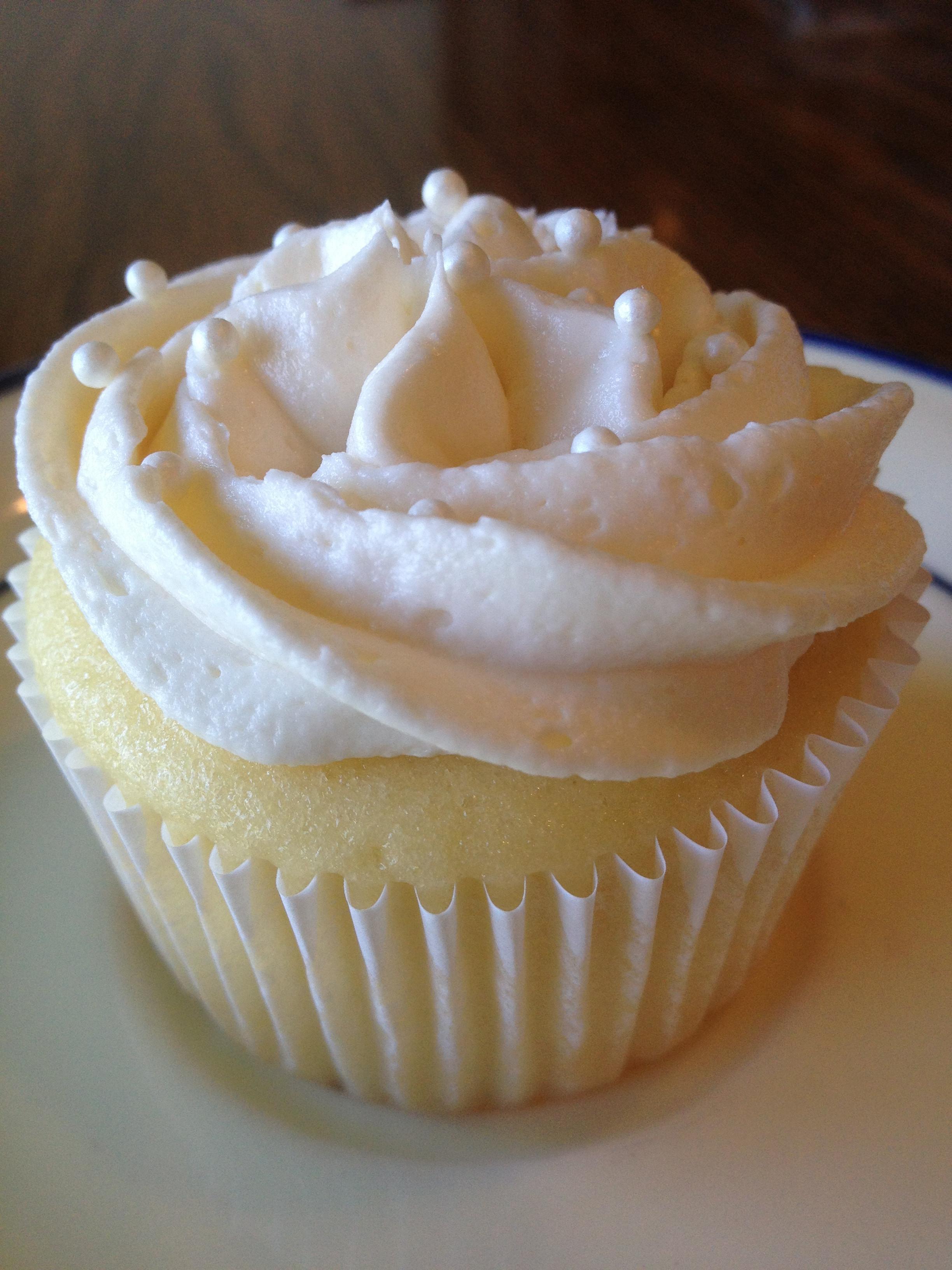 Wedding Cake Cupcake Recipe  Cupcake Trial 2 White Wedding Cake