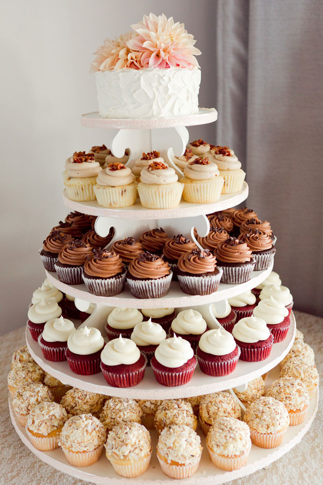 Wedding Cake Cupcakes  10 tiered alternative wedding cakes