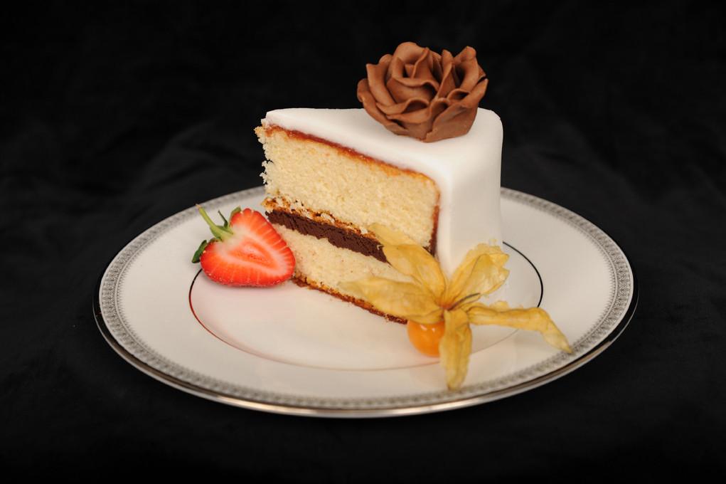 Wedding Cake Filling Recipe  Wedding cake filling idea in 2017