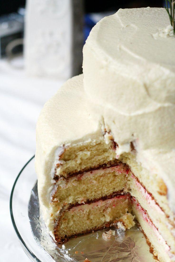 Wedding Cake Frosting Recipe  white almond wedding cake frosting