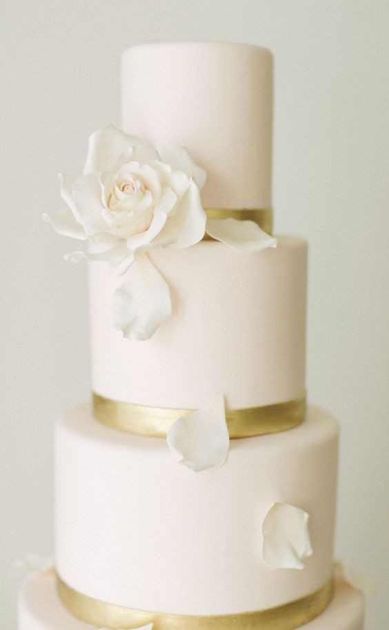 Wedding Cake Gold And White  Best 25 White gold weddings ideas on Pinterest