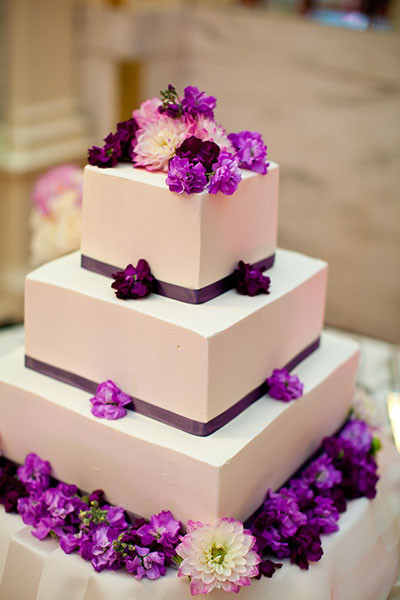 Wedding Cake Purple And White  White Wedding Cake with Purple Flowers