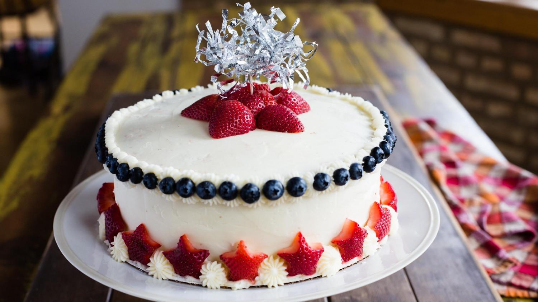 Wedding Cake Recipes Martha Stewart  Star Spangled Strawberry Cake