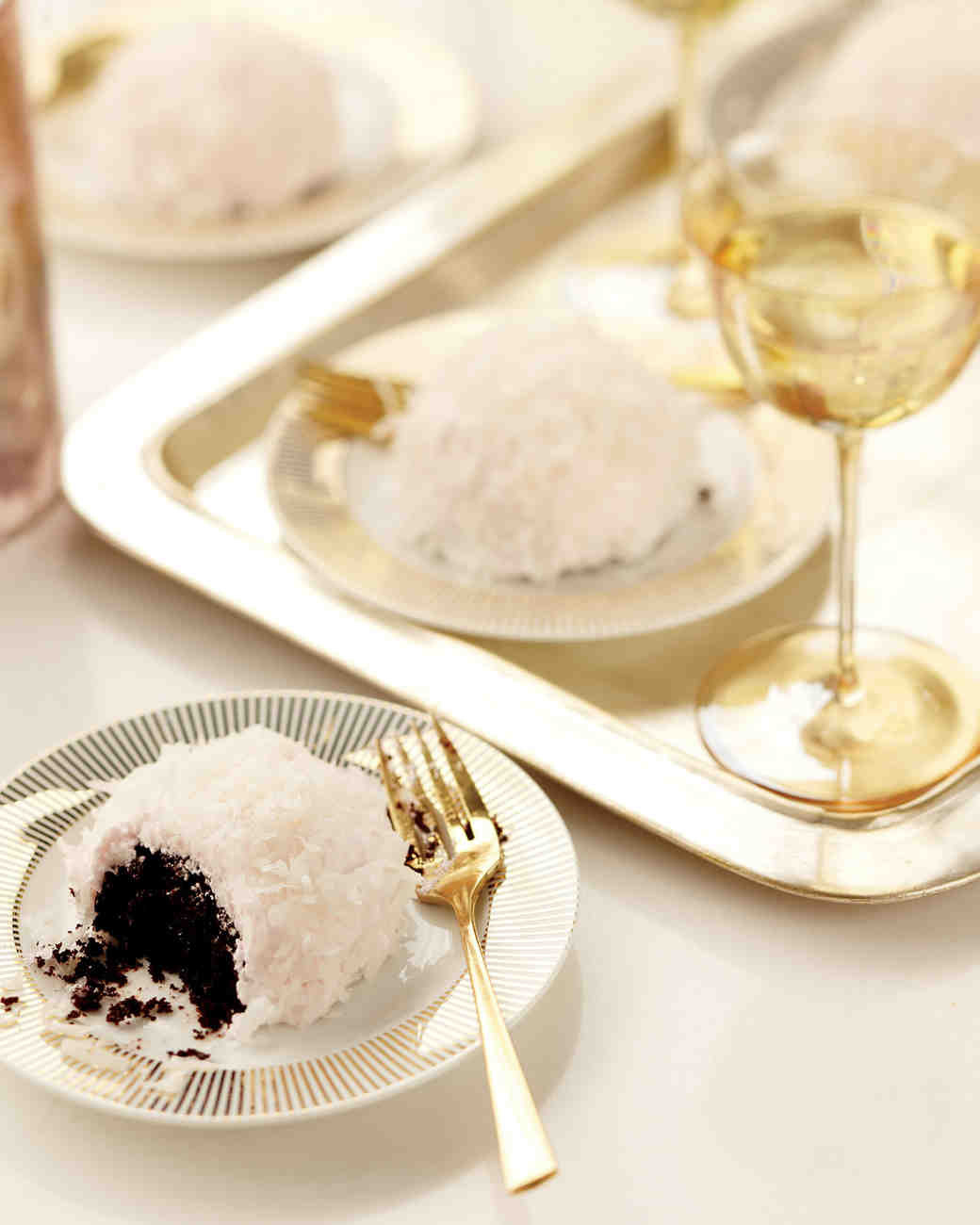Wedding Cake Recipes Martha Stewart  29 Chocolate Wedding Cake Ideas That Will Blow Your Guests