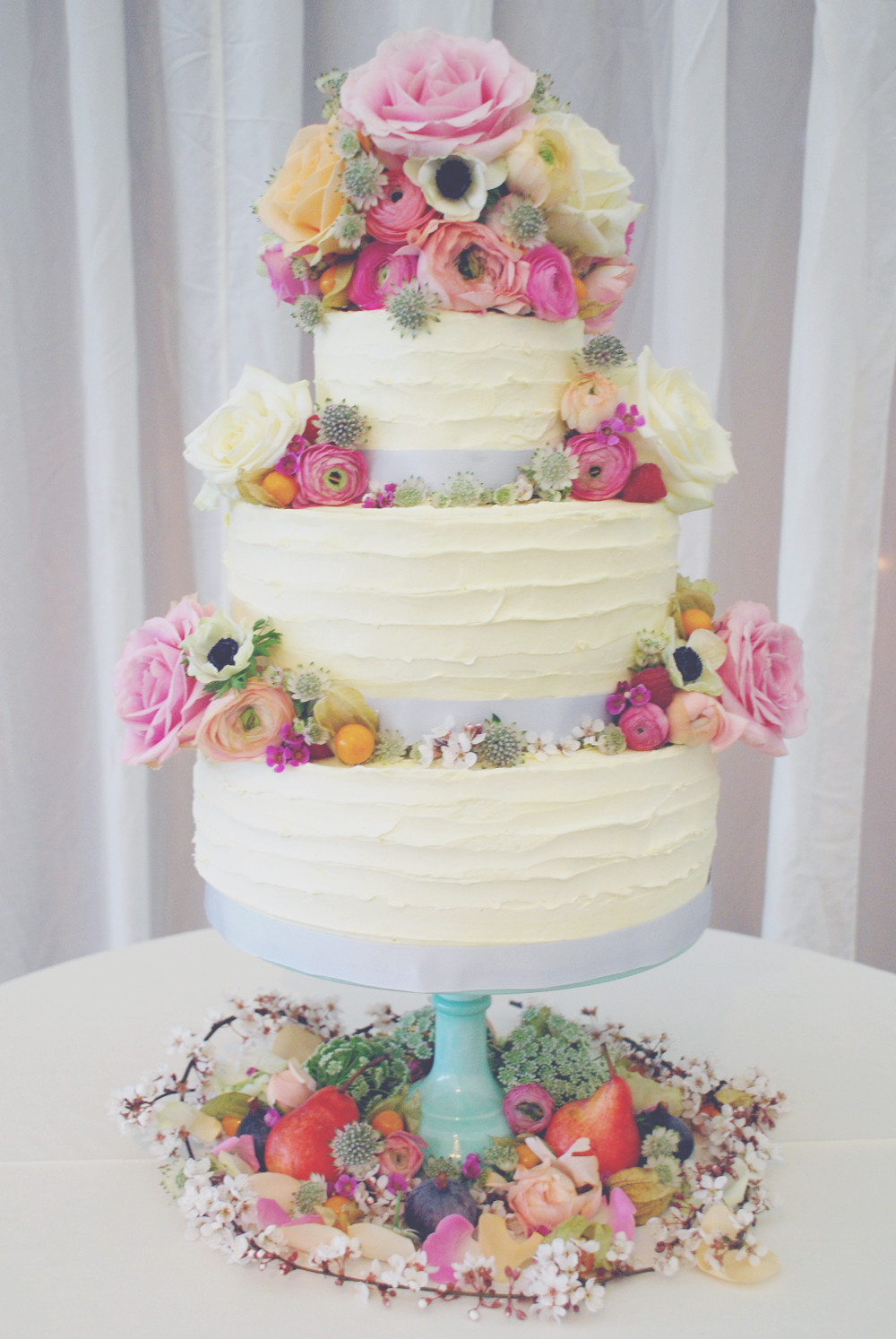 Wedding Cakes 2017  The top 17 wedding cake trends for 2017