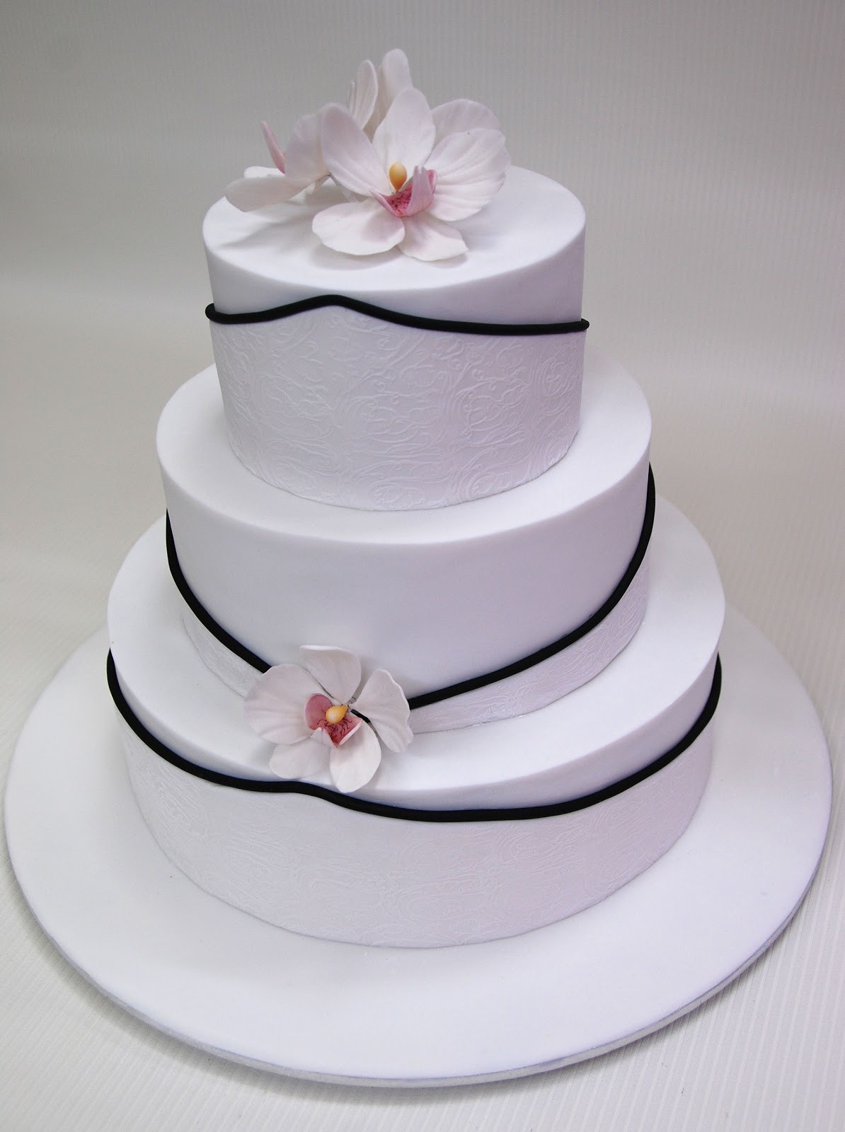 Wedding Cakes 3 Tier  Little Robin 3 Tier Wedding Cake with Orchids