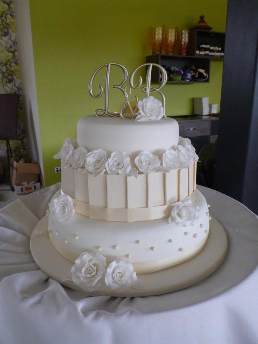 Wedding Cakes 3 Tier  My First Wedding Cake White & Ivory 3 Tier Wedding Cake