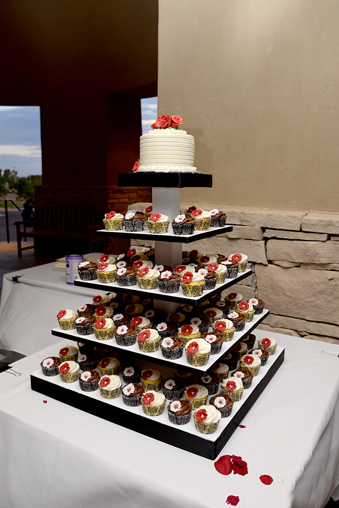 Wedding Cakes Albuquerque  Albuquerque Wedding Cakes Flowers and Details
