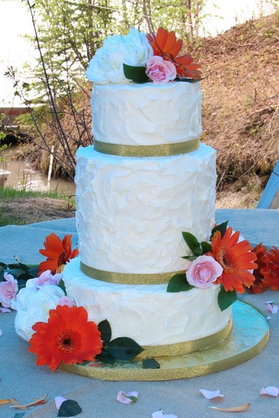 Wedding Cakes Anchorage  Midnight Sun Cakery Anchorage AK Wedding Cake