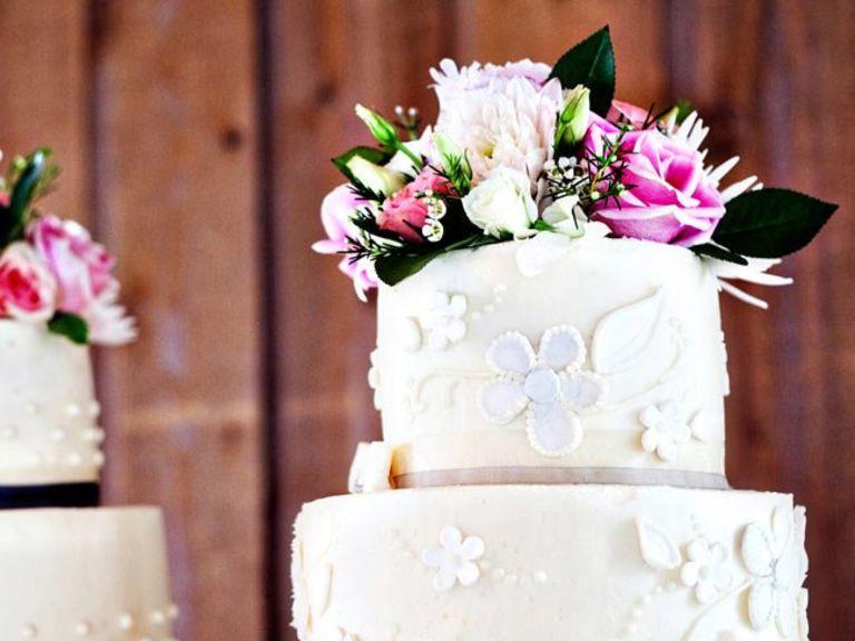 Wedding Cakes Anchorage  Alaska Weddings