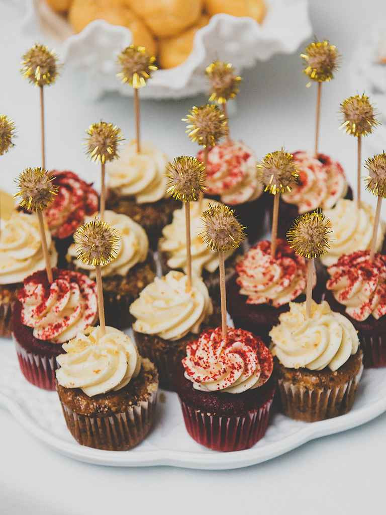 Wedding Cakes And Cupcake Ideas  16 Wedding Cake Ideas With Cupcakes