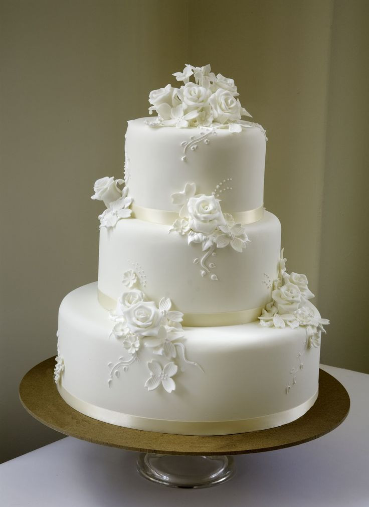 Wedding Cakes And Prices  prices for wedding cakes Engagement Cakes for Your