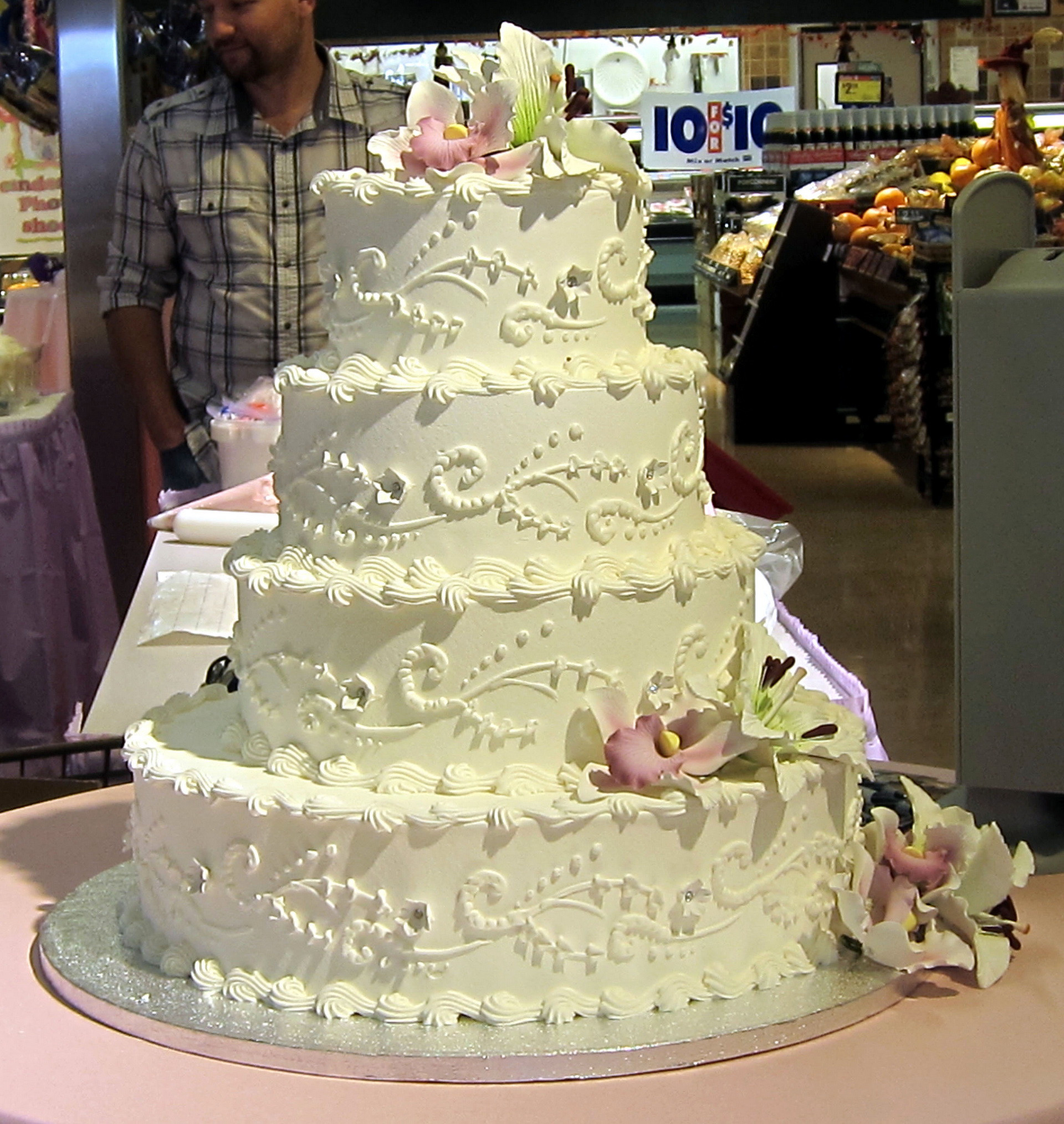 Wedding Cakes And Prices  Wedding cake prices 10 factors to consider idea in