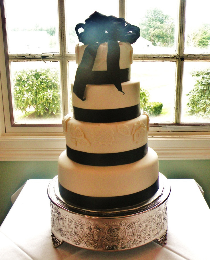 Wedding Cakes Annapolis  75 best Weddings in Annapolis images on Pinterest