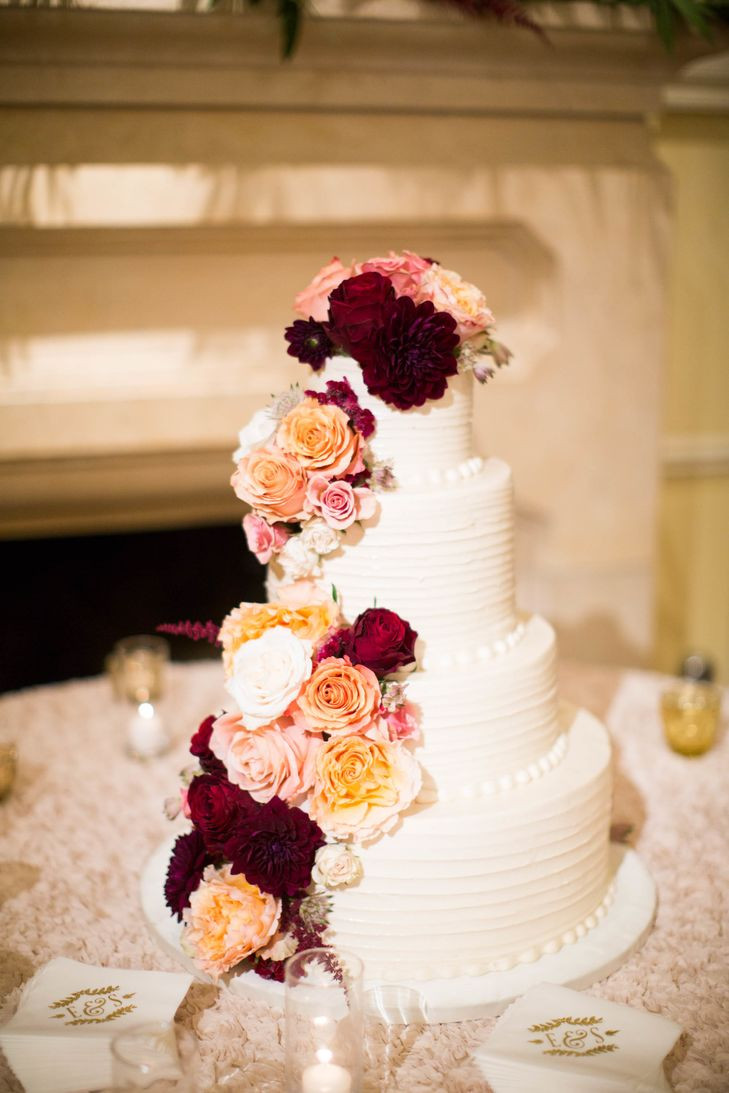 Wedding Cakes Arlington Tx  A Romantic Glam Fall Wedding at Arlington Hall in Dallas