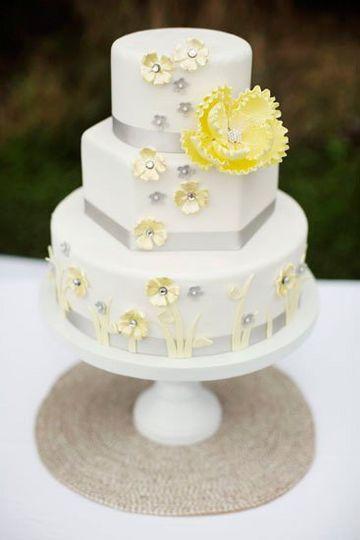 Wedding Cakes Arlington Tx  Calling All Cakes Wedding Cake Arlington TX WeddingWire