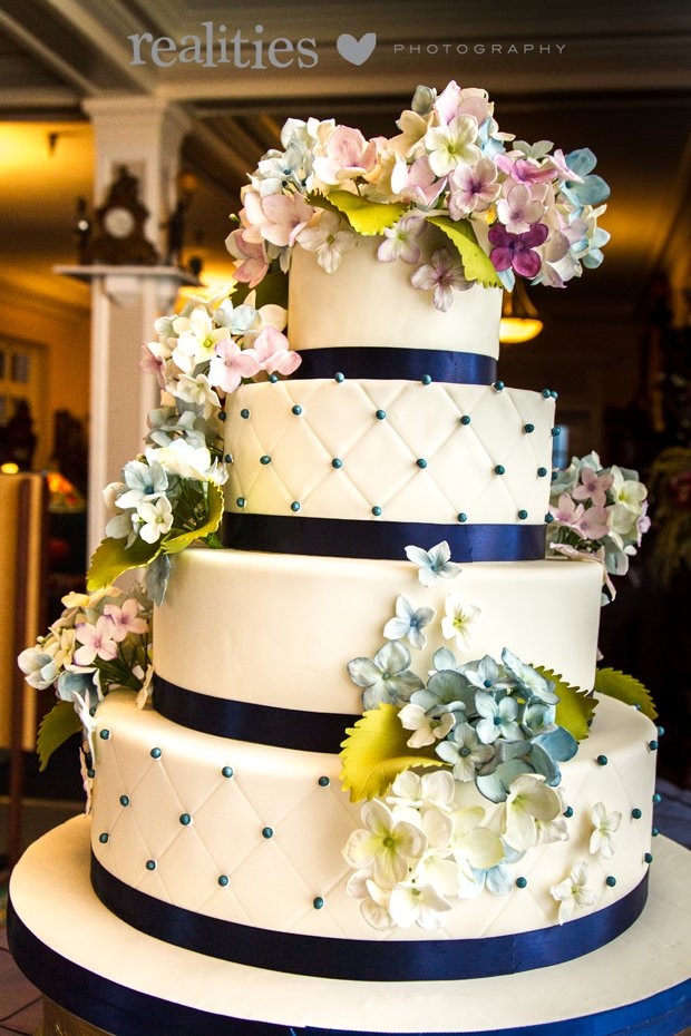 Wedding Cakes Asheville Nc  Tiffany s Baking Co s Wedding Cake North