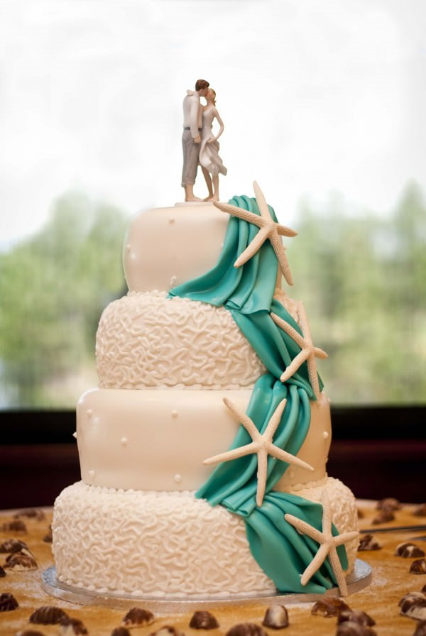Wedding Cakes Beach  Sweet Inspiration 15 Fabulous Beach Wedding Cakes
