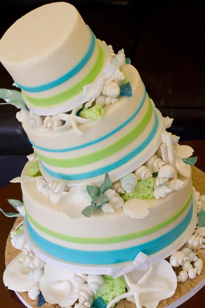 Wedding Cakes Beach  23 Fun Beach Wedding Cake Ideas