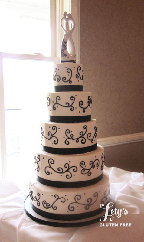 Wedding Cakes Beaumont Tx  Cakes Jula Wedding Cake League City Tx Weddingwire Cakes