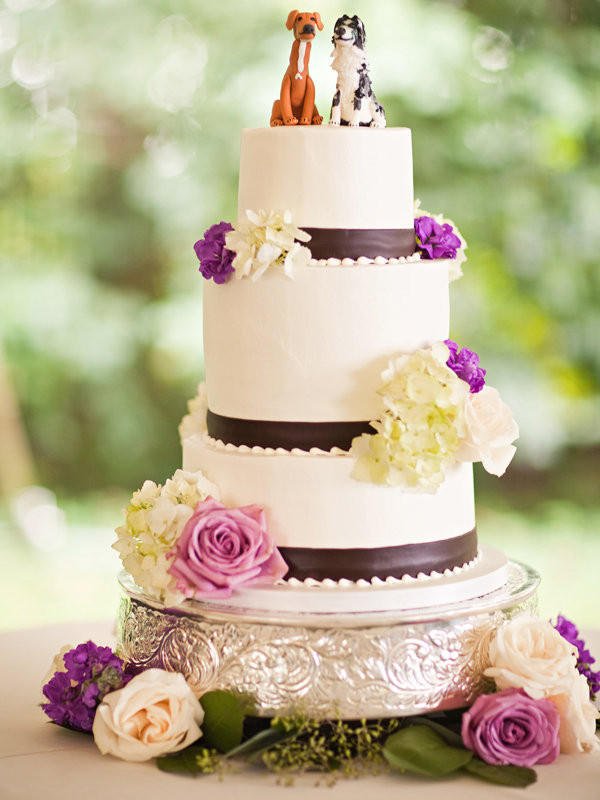 Wedding Cakes Blogs  Simple Chic Wedding Cakes We Love