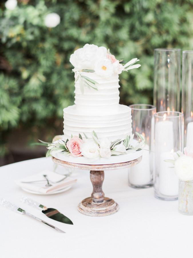 Wedding Cakes Blogs  Wedding Cake Inspiration for 2017 Hot Chocolates Blog