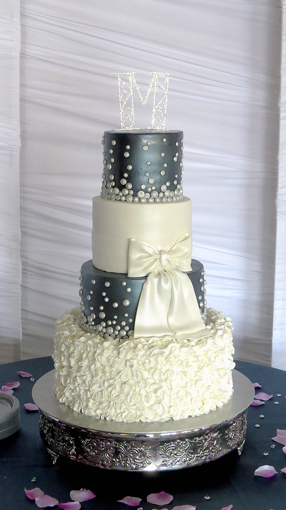 Wedding Cakes Blue And Silver  Navy blue and silver wedding cakes idea in 2017