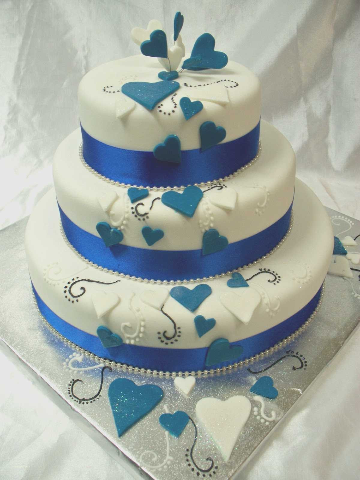 Wedding Cakes Blue And Silver  Fresh Royal Blue and Silver Wedding Decorations Creative
