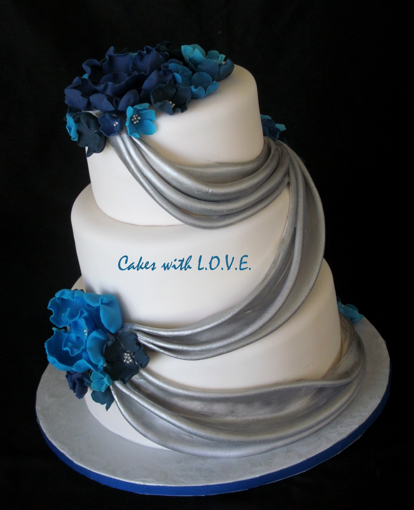 Wedding Cakes Blue And Silver  Blue and silver wedding cakes idea in 2017