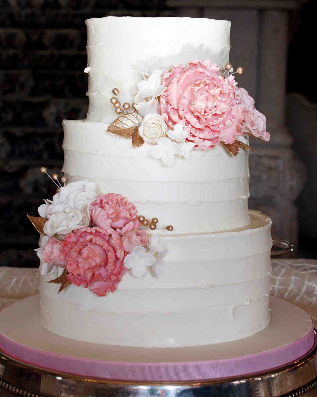 Wedding Cakes Buttercream Frosting  A Sweet Guide to Choosing a Frosting for Your Wedding Cake