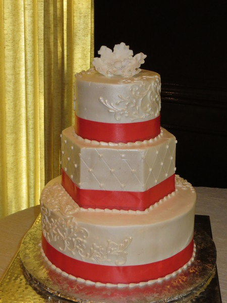Wedding Cakes By Tammy Allen  054 Houston wedding cake