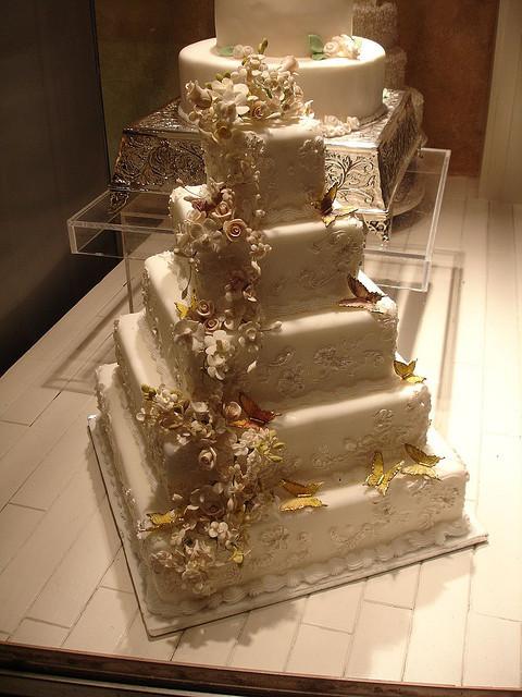 Wedding Cakes Camo  17 of 23 Camo Wedding Cakes 1083