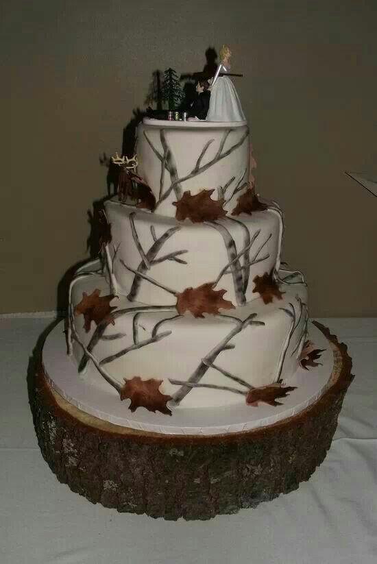Wedding Cakes Camo  1000 ideas about Camo Wedding Decorations on Pinterest