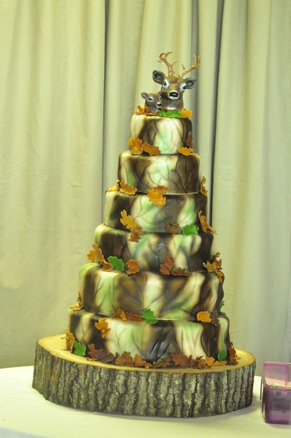 Wedding Cakes Camo  1000 images about CAMO WEDDING CAKE TOPPERS on Pinterest