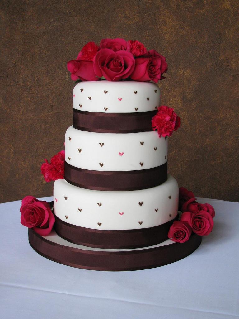 Wedding Cakes Camo  CAMO WEDDING CAKES